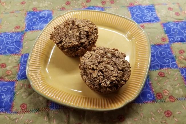 banana oat quinoa muffins